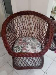 Cadeira estilo poltrona de vime usada