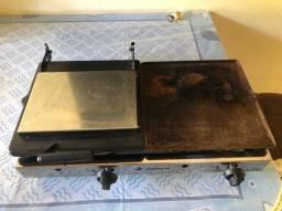 Chapa Venâncio a gás 70cm com prensa