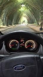 Vendo. Ford Fiesta 4 portas