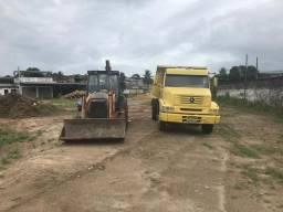 Caminhão caçamba + retroescavadeira - 2010