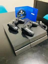 PlayStation 4 / 500gb / Com 2 controles !