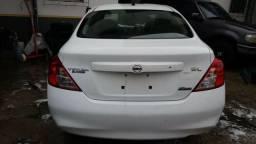 Sucata Nissan Versa SL 1.6 2014 para venda em peças