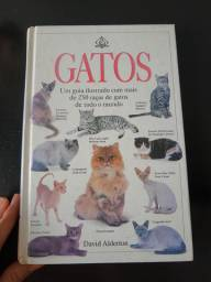 Livro Gatos David Alderton