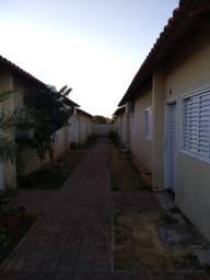 Vedo Casa de 2 quartos no Conj. Vera Cruz I em Goiânia-GO