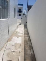 Apartamento em Mangabeira 8 (Térreo Quintal em L)
