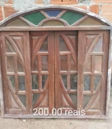 Uma janela de arco de correr 120x120