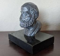 Busto Antigo em chumbo e mármore
