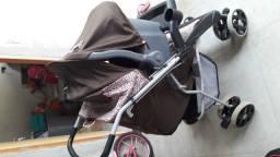 Carrinho e bebê de conforto da tutti baby,menina 1 ano de uso