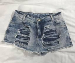 Short Jeans tamanho 40. R$ 15,00.