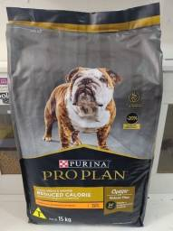 Ração Purina Proplan Redução de Calorias 15kg para cães adultos de porte médio e grande