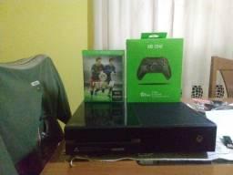 Xbox one 500 GB 1 manete c fio +1 jogo e garantia R$1250(7x 200 cartão)