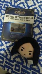 Livro Animais Fantásticos + Pelúcia Snape (Harry Potter)