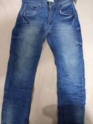 Calça jeans novinha tamanho 5-6 anos nunca foi usado