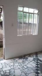 Aluga-se Quitinete no bairro São Sebastião