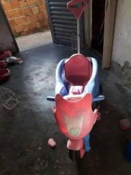 Motoca infantil menina