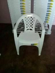 Vendo cadeiras Tramontina de plástico novas