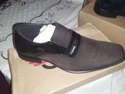 Sapatos sintéticos italiano atacado acima de três façamos o bom preço só entrar em
