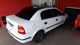 GM - Astra Sedan GL 1.8 8v * 2000/2001 * Completo