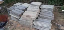 Telhas de concreto tenho 150 unidades vendo todas a 200  faço desconto *