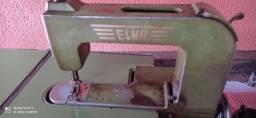 Título do anúncio: Antiga e rara máquina de costura suiça Elna (vendo ou troco)