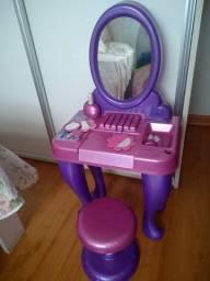 Penteadeira infantil de brinquedo