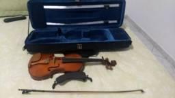 """Violino semi-novo """"Eegle"""" R$ 470,00"""