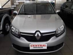 Renault Logan 1.6 - Central Veiculos - 2015