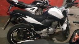 Cb 300/negocio por moto menor valor/em até 48x sem entrada/seguro total grátis - 2012
