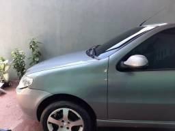 Vende-se um carro Palio ano 2011 modelo 2012 telefone para contato * cleuton - 2011