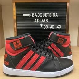Basqueteira Adidas - 38 ao 43