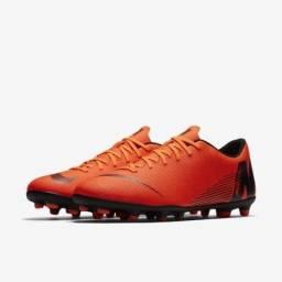 0df8e5489c Chuteira Nike Mercurial Vapor Club Campo tamanho 40