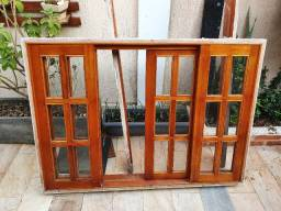 Janela de Madeira 1,40 x 1,00 com vidros
