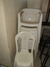 Vendo cadeiras e mesas