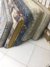 Vendo colchões de solteiro usados R$65,00 cada