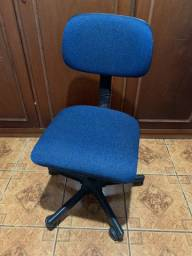 Cadeira escritório rodinha Azul - usada