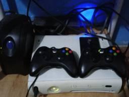 Xbox 360 modelo Arcade destravado por R$ 500, aceitou troca também