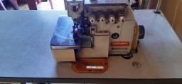 Máquina de costura Interloque industrial SIRUBA