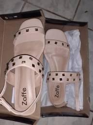 Sandália da zaffe novinha tamanho 37