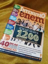 """Livro para estudos """"Intensivão Enem, 1200 perguntas"""""""