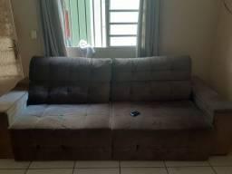 Vendo   ou troco sofa retrátil é reclinável  em ótima condições