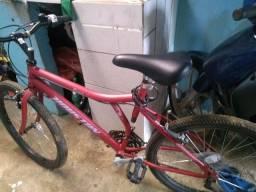 Vendo uma bicicleta,aro 24_nova. Valor 600