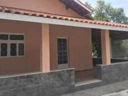 Casa dentro de condominio em Varzea das Moças Tel: 2705-0101