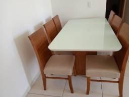 Título do anúncio: Mesa espaçosa de jantar madeira e acabamento laka luxo