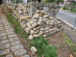Cabeça de pedra para muro e calçada