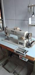 Máquina costura reta