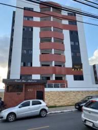 Apartamento nos Bancários com 03 quartos, sendo 01 suíte e varanda