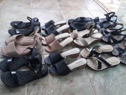 Sandálias e tamancos femininos por 49,00 o par