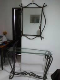 Aparador sala de jantar (espelho de bronze e mesa ). Antiguidade.