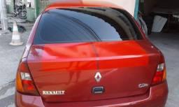Clio Sedã 2001 1.0
