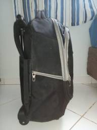 Vendo pra desapegar - mochila escolar - Preta